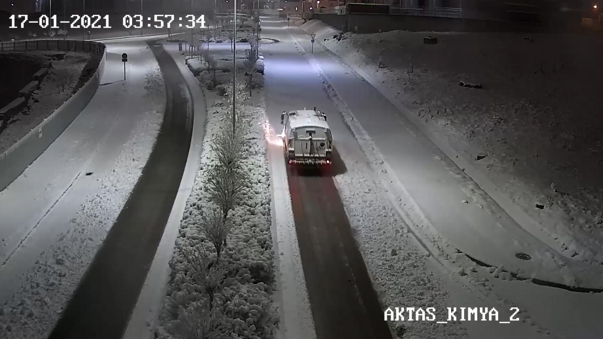 GEBKİM Karla Mücadele Araçları ve Ekipleri GEBKİM OSB'yi 7/24 Ulaşıma Açık Tuttular